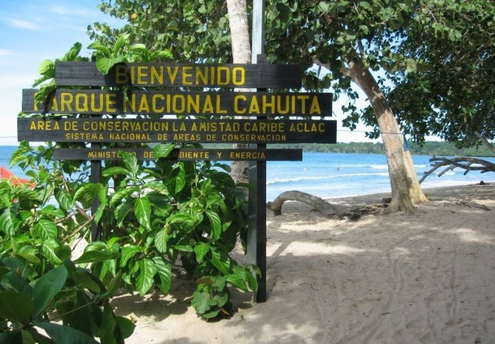Visit of Cahuita National Park