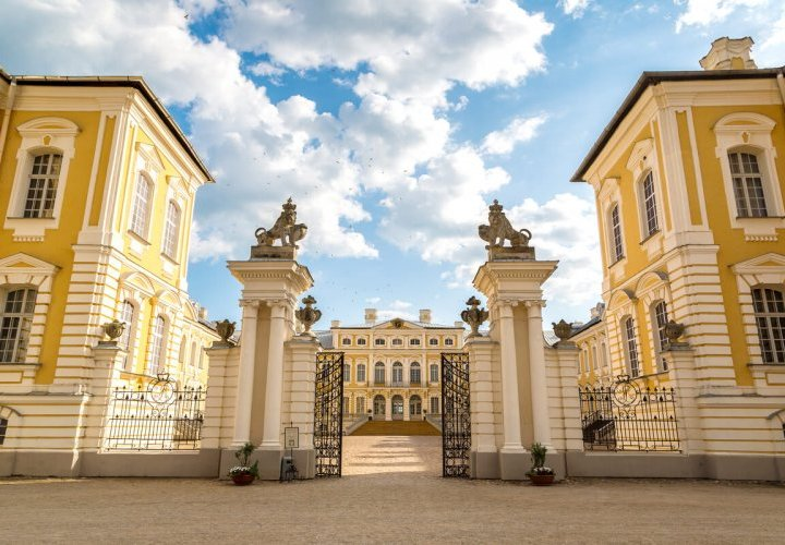 Discovery of Rundale Palace in Latvia
