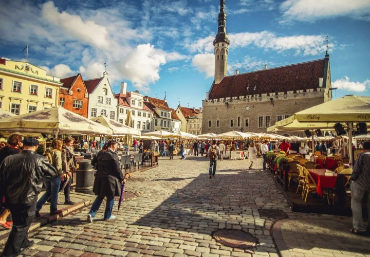 Guided Tour of Tallinn and visit of Rocca al Mare Ethnographic Museum in Estonia