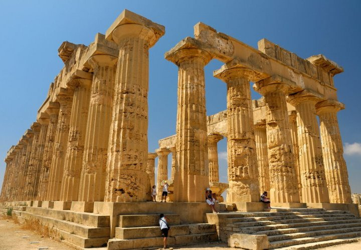 Visit of Selinunte and Agrigento – important Greek colonies with remarkable Doric temples