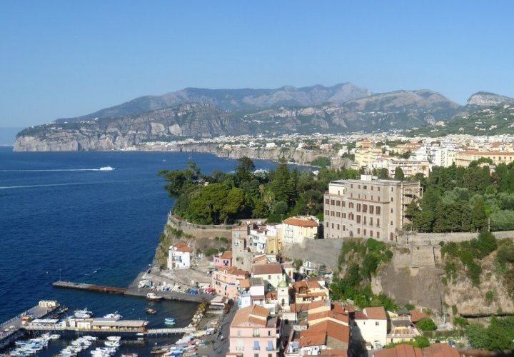 Discovering the heart of the Southern Italy: Naples and Pompeii