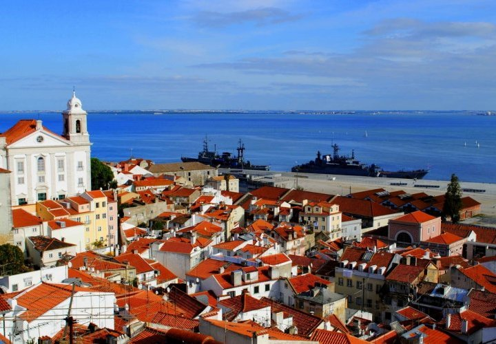 Guided tour of Lisbon city