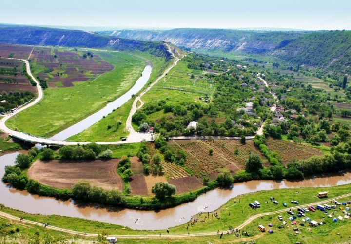 Orheiul Vechi - a 40-thousand-year-old natural amphitheater and Cricova winery - the pearl of Moldovan wine-making