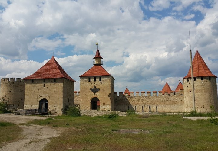Time travel in Tiraspol and visit of Castel Mimi winery - architectural masterpiece in the world of wine