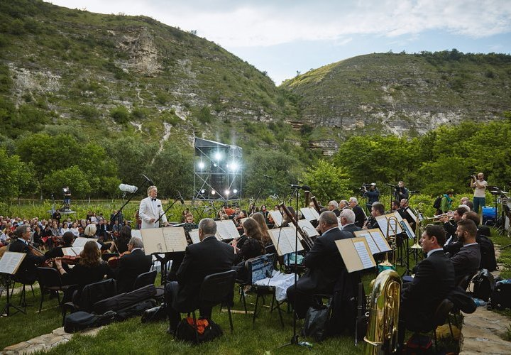 "Discovery of Cultural, Natural and Landscape Reserve ""Orheiul Vechi"" and attending the Open-air Festival of Classical Music ""DescOPERA"""