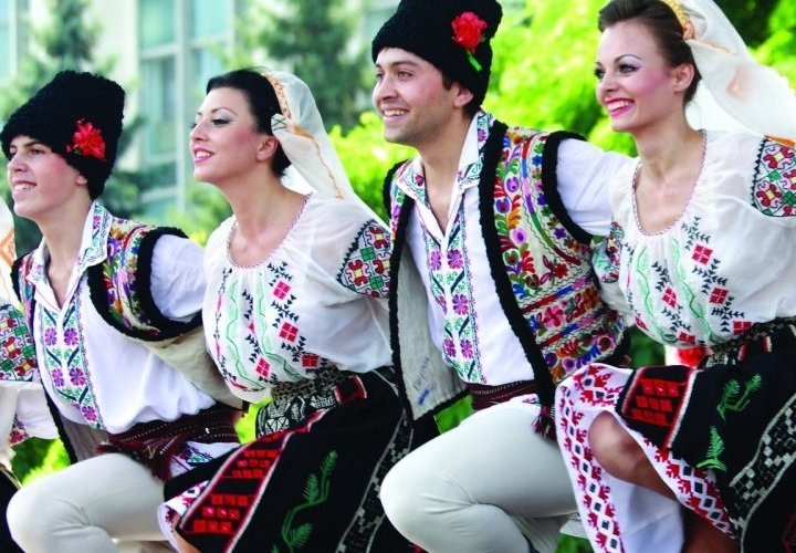 First traditional dance class and Chisinau city tour
