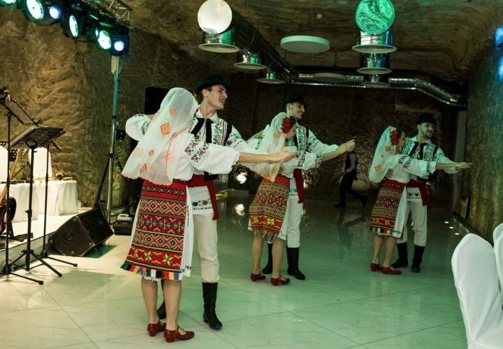 Dance class and visit to the Cultural, Natural and Landscape Reserve Orheiul Vechi