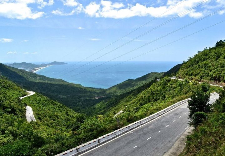 Hai Van Pass and the Marble Mountains, spectacular landscapes of mountains and clear blue skies