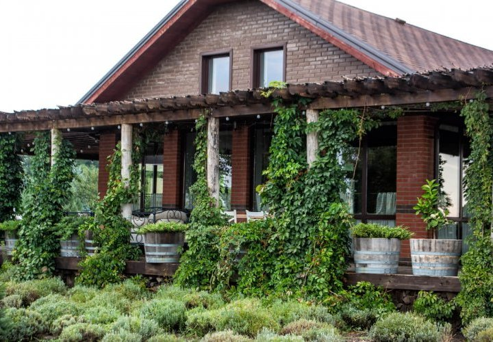 Visit in the south-east region of Moldova and discovery of Et Cetera and Château Purcari wineries