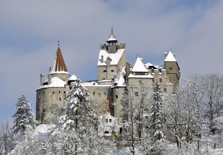 Discover Transylvania and visit Bran Castle (Dracula's Castle)