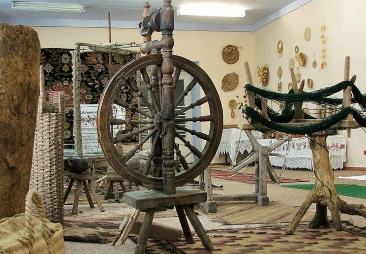 Arta Rustica Handicraft Complex – discovery of traditional Moldovan carpets included in UNESCO's intangible cultural heritage