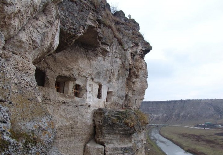 Saharna and Tipova Monasteries – an unusual landscape with many waterfalls