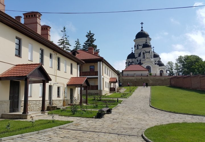 Visit of Hincu and Capriana Monasteries
